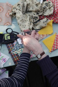 http://www.katherinemay.com/files/gimgs/th-1_Dalston_Garden_Quilt_workshop_16.jpg
